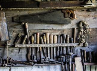 Na czym polega produkcja elementów drewnianych